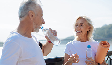 couple-drinking-water.jpg